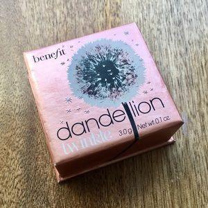 Benefit Dandelion Twinkle Highlighter Blush